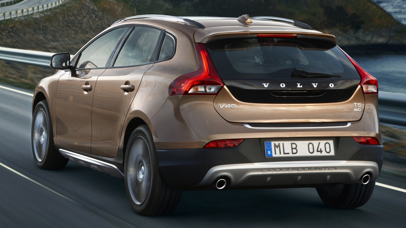 autowp.ru_volvo_v40_cross_country_4